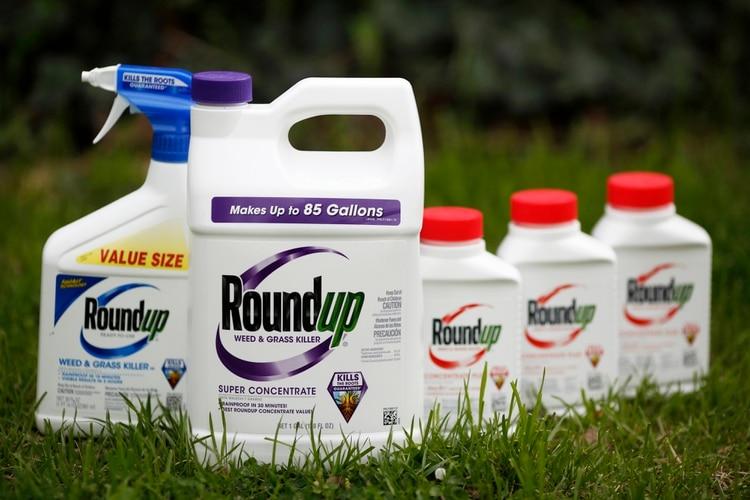"""Un jurado dictaminó que el herbicida Roundup de Monsante """"contribuyó"""" al cáncer en un agricultor de California (Bloomberg / Luke Sharrett)"""