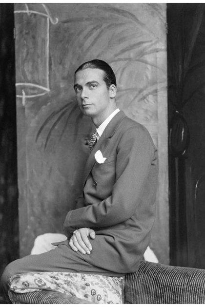 Cristobal Balenciaga (1895-1972), couturier español, en 1927