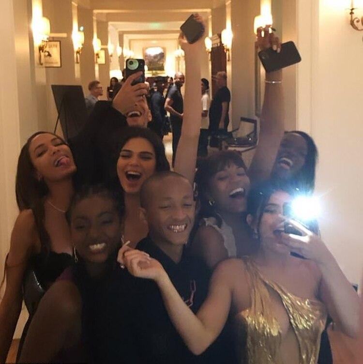YouBoiFai también ha compartido historias con los famosos que asistieron a la boda de Justin Bieber y Hailey (Foto: Instagram)