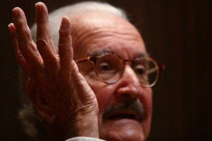 Carlos Fuentes apoyó el movimiento del 68 y se manifestó contra la detención de José Revueltas (Cuartoscuro)