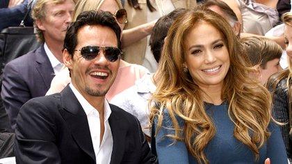 Marc Anthony se vio espléndido con Jennifer Lopez después del nacimiento de sus mellizos (Shutterstock)