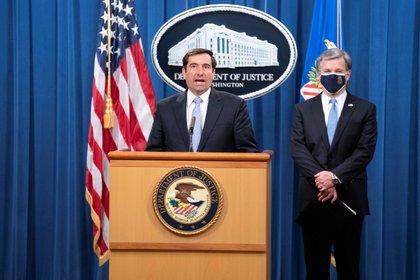 El fiscal general adjunto de Seguridad Nacional, John C. Demers, en una conferencia de prensa virtual en Washington el 28 de octubre de 2020. EFE/Sarah Silbiger