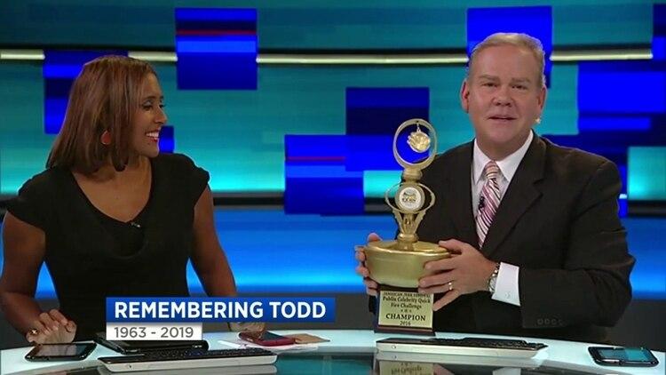 En los últimos años Todd presentaba las noticias del fin de semana junto a Neki Mohan (Foto: Local News 10/WLPG)