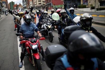Motociclistas participan en una protesta durante un paro nacional, en medio del brote de la enfermedad del coronavirus (COVID-19), en Bogotá, Colombia, el 7 de septiembre de 2020. REUTERS/Luisa Gonzalez