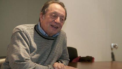 Rodolfo Terragno fue el negociador para adelantar la salida del poder de Raúl Alfonsín (NA)