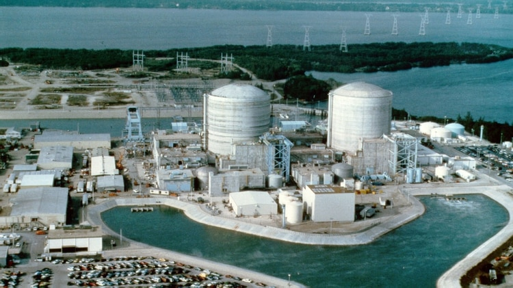 Algunos ciberataques han apuntado en el pasado contra la infraestructura energética estadounidense. En la foto la planta nuclear de St. Lucie, en Florida