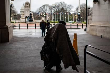 El cierre de empresas debido al parálisis causada por lel coronavirus dejarán una situación de desempleo (Foto: AFP)