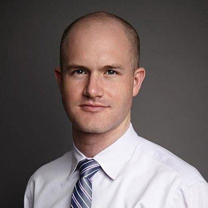 Brian Armstrong, CEO de Coinbase, cuyas advertencias agitaron al mercado de criptodivisas