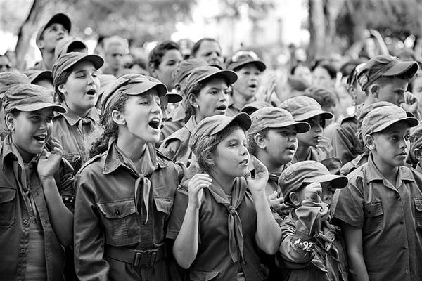 Niños pioneros de Cuba