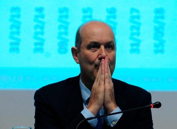 Federico Sturzenegger presentó su renuncia al Presidente en Olivos