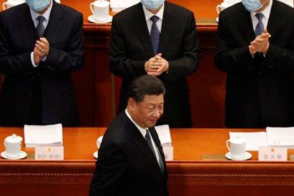 Xi Jinping camina en el Congreso Nacional Popular Chino en Beijing, en una foto de archivo de mayo pasado (Reuters)