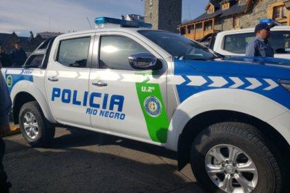 Tres policías de la provincia de Río Negro fueron imputados este lunes por el delito de abuso sexual agravado y privación ilegítima de la libertad luego que fueran denunciados por una joven