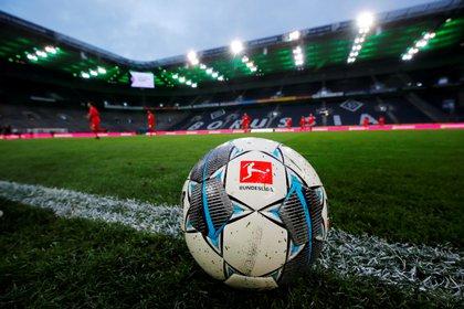 La DFL decidirá el próximo lunes si aplaza el partido del Dynamo Dresden ante Hannover 96 o si atrasa la puesta en marcha de la segunda división (REUTERS)