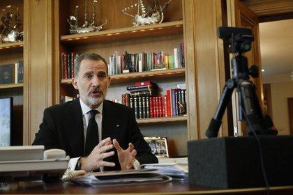 29/05/2020 El Rey Felipe VI conversa por videoconferencia con representantes de los Colegios de Administradores de Fincas para conocer las medidas frente a la epidemia implantadas en los edificios de viviendas. En Madrid, (España), a 29 de mayo de 2020. POLITICA  Casa de S.M. el Rey