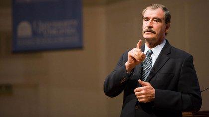 """Vicente Fox aseguró que cuando se reunión con Hugo Chávez, """"no había sacado las uñas"""""""