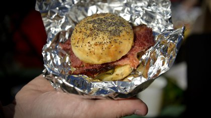 El sándwich de pastrón de Cafe Crespín