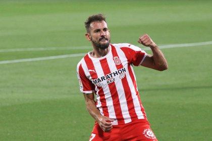 El uruguay Cristhian Stuani fue otro de los atacantes apuntados por Boca en el último tiempo (EFE/David Borrat)