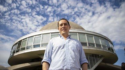 Juan Cruz González Allonca es abogado espacial (Lihue Althabe)