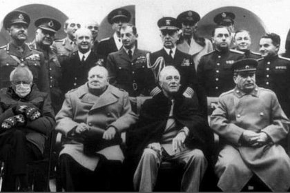 Sanders, Churchill, Roosevelt and Stalin at the Yalta conference, 1945.