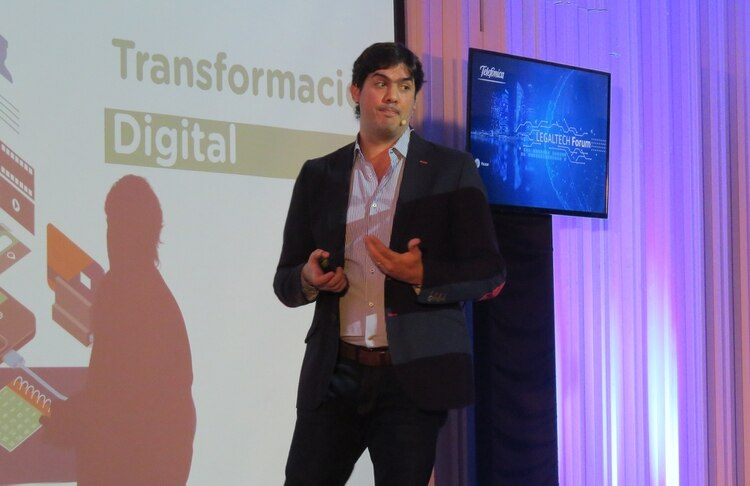 Juan Manuel Haddad, manager of the Regulatory and Competencies of Telefónica - Movistar in Argentina, during the Legaltech Forum.