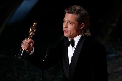 """Brad Pitt recibiendo el Premio Oscar por """"Había una vez en Hollywood"""" (Foto: REUTERS/Mario Anzuoni)"""