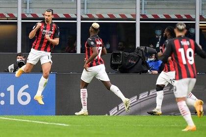 El AC Milán es líder en la Serie A y marcha invicto desde marzo bajo las órdenes de Stefano Pioli (Foto: Reuters)