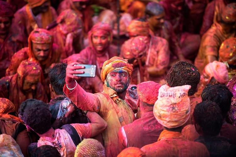 """l Ministerio de Turismo de la India solicitó a los estados que identificaran y cerraran las """"áreas de peligro para selfies (Shutterstock)"""