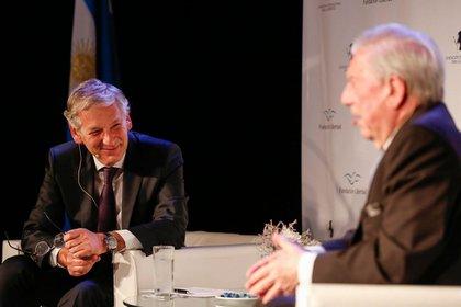 """""""Lo importante es no morirse en vida"""", dijo Vargas Llosa (Agustín Marcanian)"""