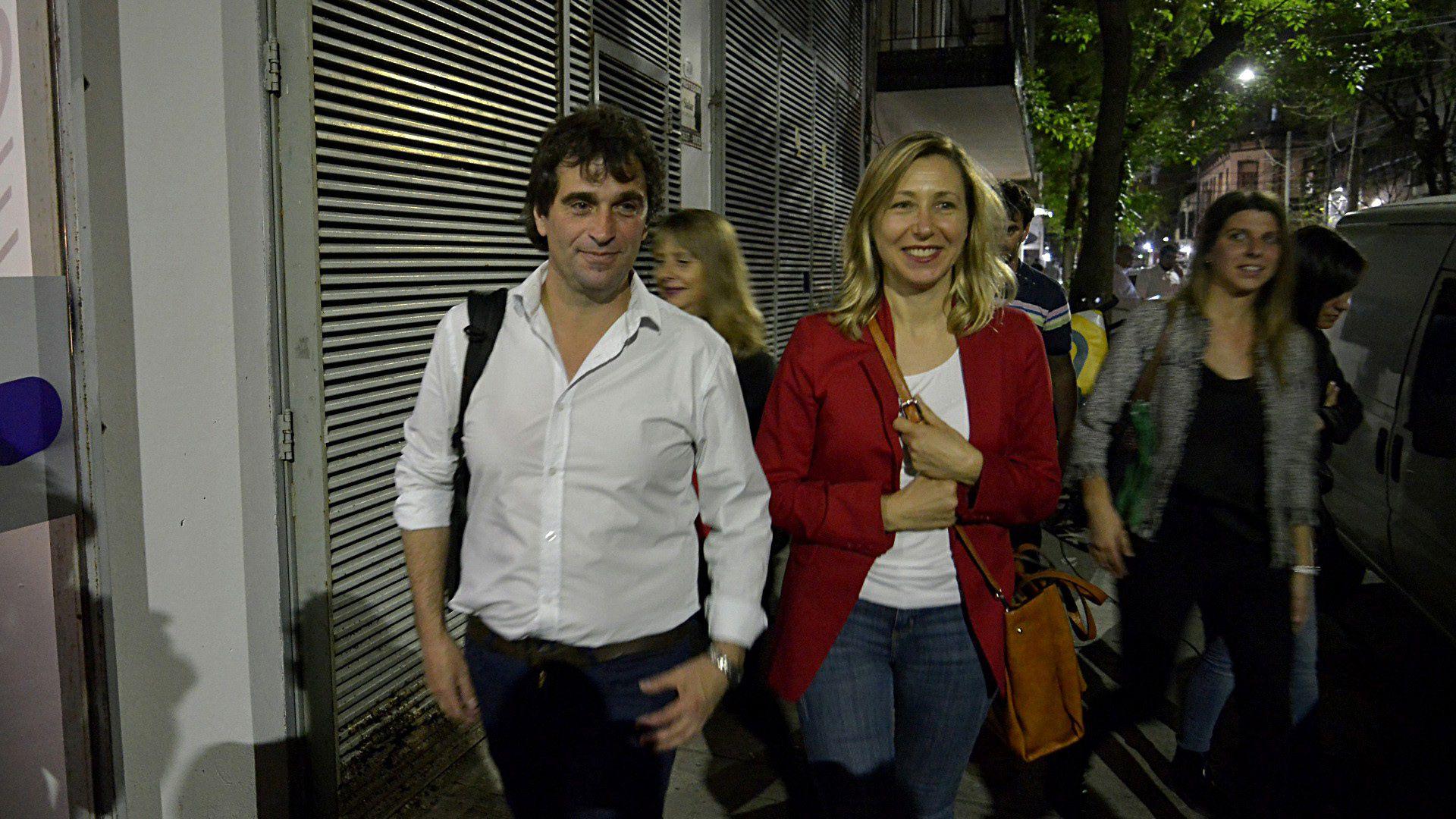 La llegada de Gabriel Solano a los estudios del Canal de la Ciudad