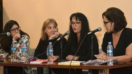 Maye Primera, Hinde Pomeraniec y Rocío Puntas y Silvina Heguy (Nicolás Stulberg)