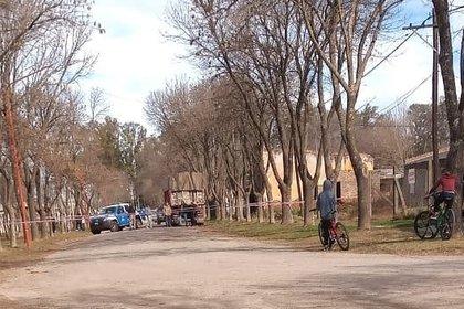El allanamiento en una casa de la localidad de Berabevú donde vive el único sospechoso del crimen