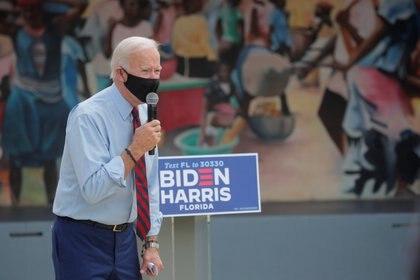 Joe Biden visitó la comunidad haitiana en Miami (REUTERS / Brendan McDermid)