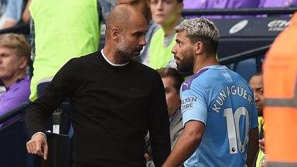 Agüero y Guardiola tuvieron un minuto de tensión en pleno campo de juego (Foto: AFP)
