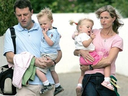 Gerry and Kate McCann, los padres de la niña desaparecida (AP Photo/Paulo Duarte)