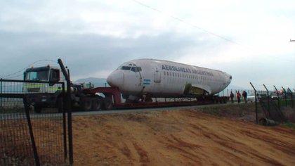 El avión durante su traslado hasta Quillota.