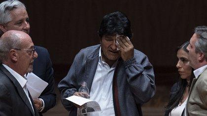 El gobierno interino de Bolivia anunció que denunciará ante La Haya a Evo Morales por crímenes de lesa humanidad (Photo by Pedro PARDO / AFP)