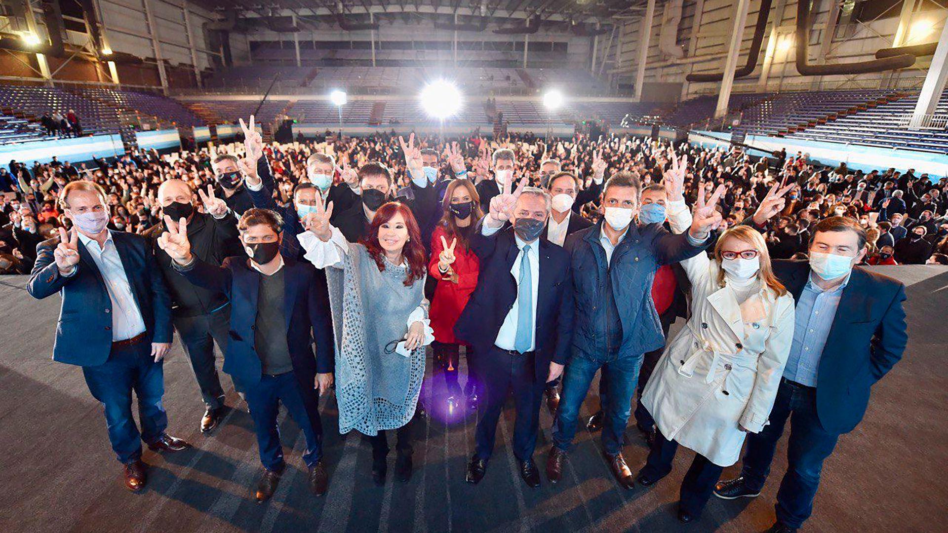 Cristina Kirchner y Alberto Fernández en el cierre de campaña del Frente de Todos en Tecnópolis