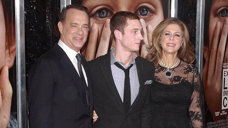 Chet Hanks admitió su adicción a la cocaína. Sus padres jamás dejaron de acompañarlo