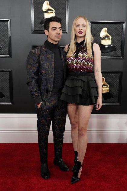 """Joe Jonas y Sophie Turner - """"Sophie lució un top de lentejuelas y volados en la parte inferior en Louis Vuitton"""", opinó July La Torre"""