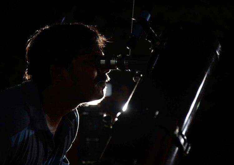 Existen tres tipos de eclipses: total, parcial y anular (Foto: Arun Sankar/AFP)