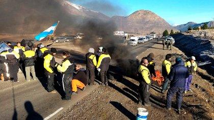 Una de las decenas de piquetes en la provincia de Chubut, de parte de trabajadores estatales