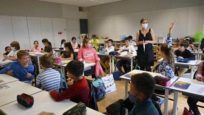 Francia vetó el lenguaje inclusivo en la educación tras considerarlo un obstáculo para el aprendizaje