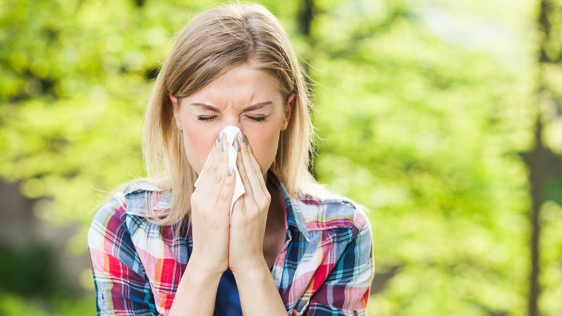 Según la OMS, entre 400 y 600 millones de personas sufren de rinitis alérgica en todo el mundo (Getty)