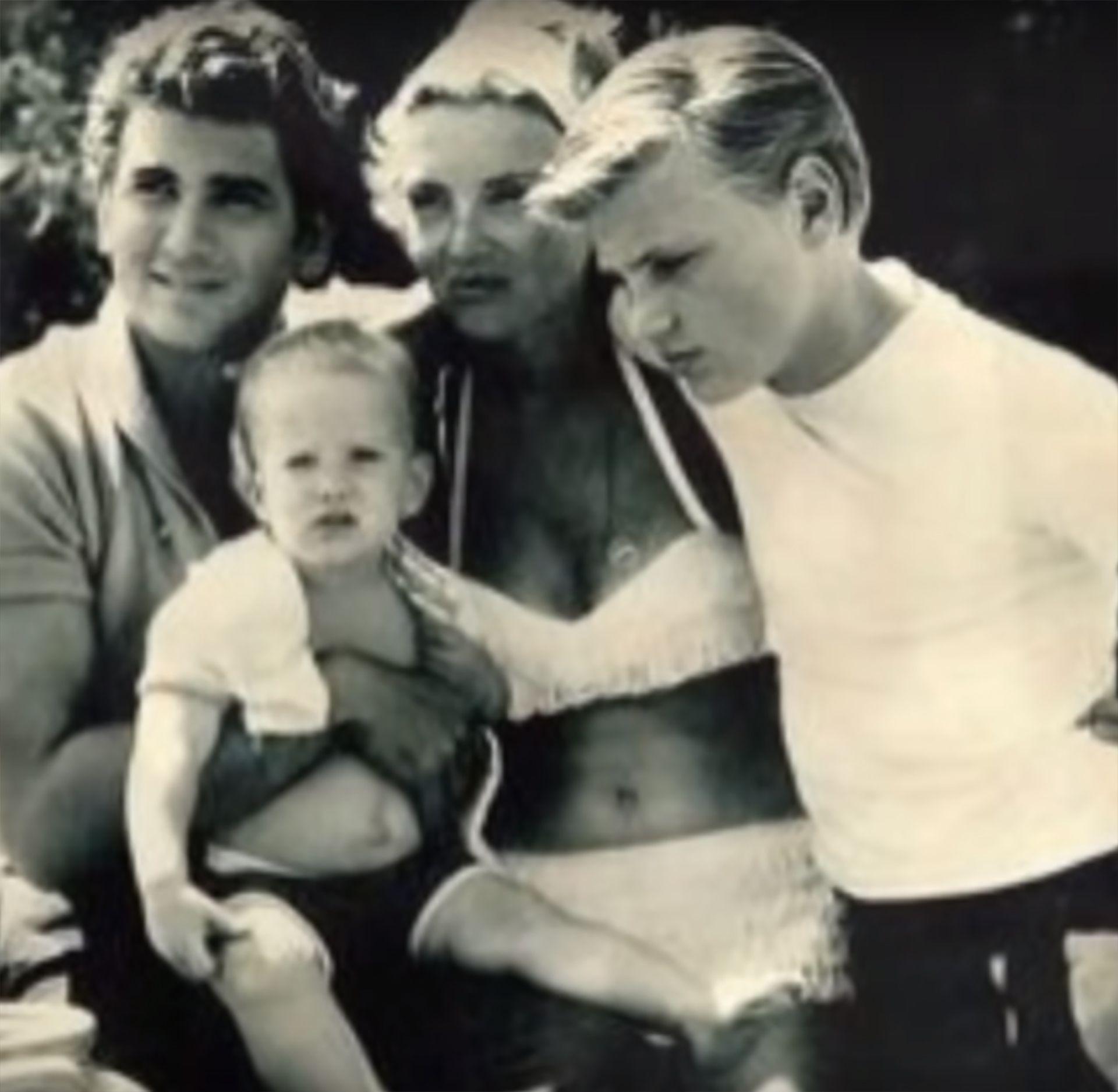 Michael Landon junto a su primera esposa y dos hijos