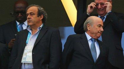 Platini irrumpía como el sucesor de Blatter