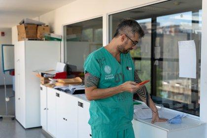 Sahar Tal Benzecry, Jefe de sala de terapia intermedia, devenida UTI Covid durante la pandemia.