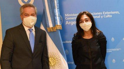 Felipe Solá y María del Carmen Squeff