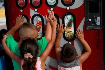 El organismo encargado de regular el uso de colorantes artificiales en alimentos es la Comisión Federal para la Protección contra Riesgos Sanitarios (Cofepris) (Foto: Reuters / Henry Romero)