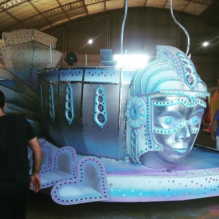 Una de las carrozas de Zum Zum en Corrientes