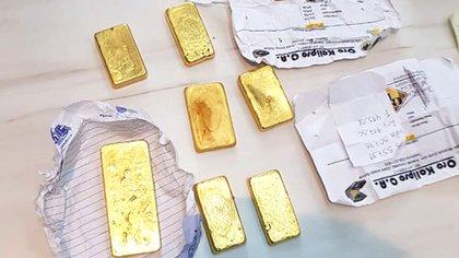 Lingotes de oro extraídos de manera ilegal de Venezuela fueron secuestrados en un operativo en Brasil en 2019. Foto: AP